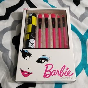 Barbie 6 piece brush set
